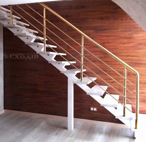 лестница на прямом монокосоуре