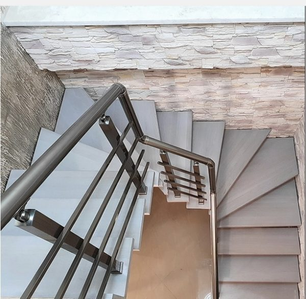 лестница на монокосоуре с 2 поворотами