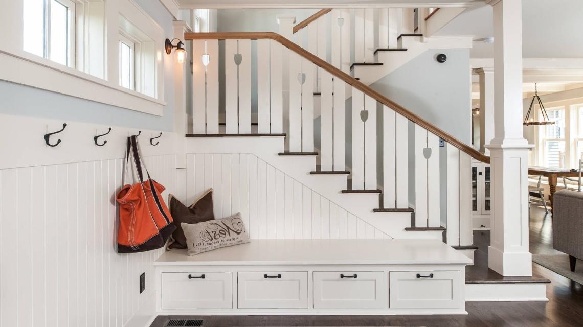 Удобные лестницы для пожилых людей