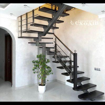 Лестницы на прямом монокосоуре