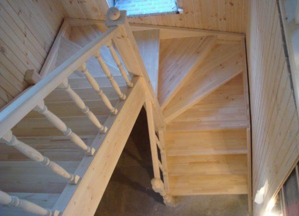 расчет лестницы с поворотом
