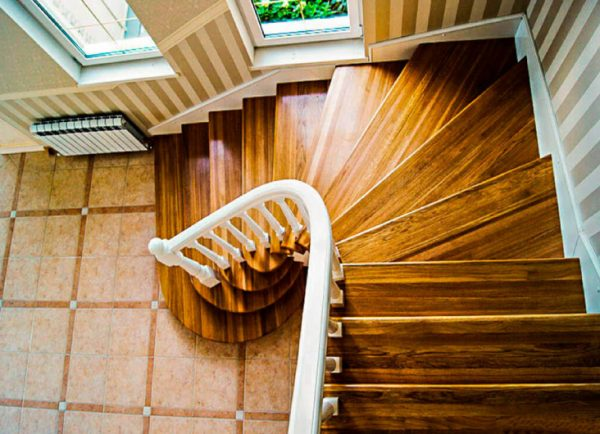 расчет лестницы с забежными ступенями
