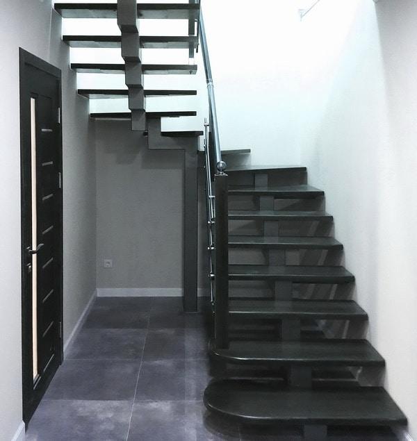 лестница в современном интерьере