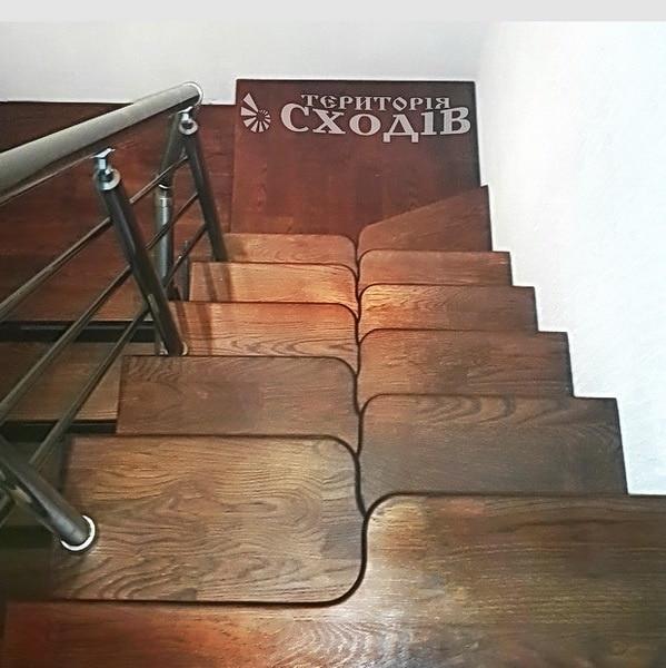 лестница гусиные лапки с 2 поворотами