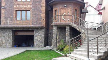 Входные лестницы в частном доме
