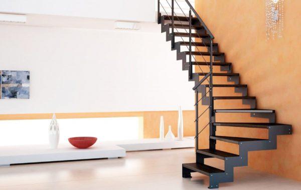 маршевая лестница на металлическом каркасе