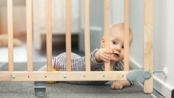 перегородки для лестниц от детей