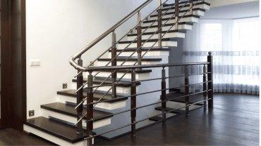 Какой цвет для домашней лестницы выбрать?